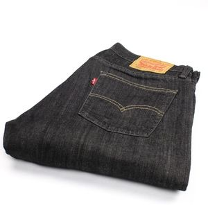 513 Levi Jeans in Men